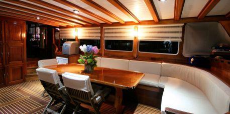 yacht brokerage